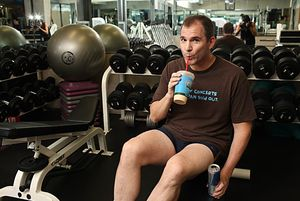 Frank Bruni working out